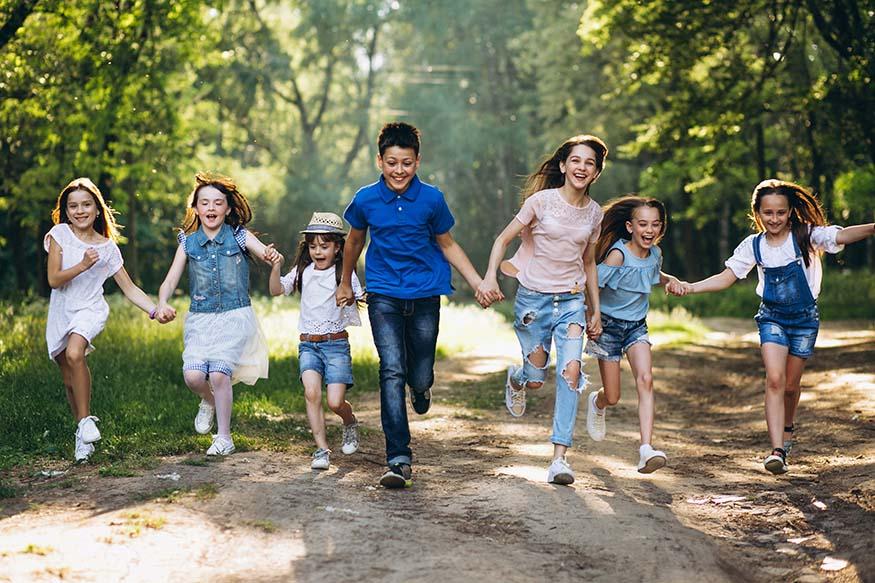 group-of-children-in-park